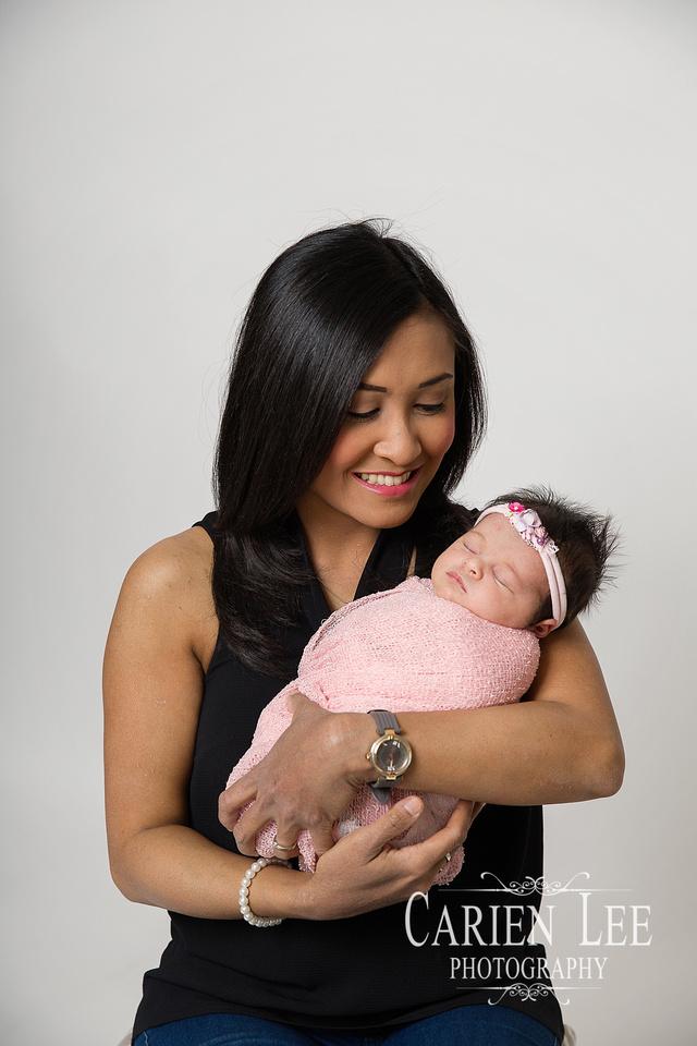 Roney Family Newborn session-10