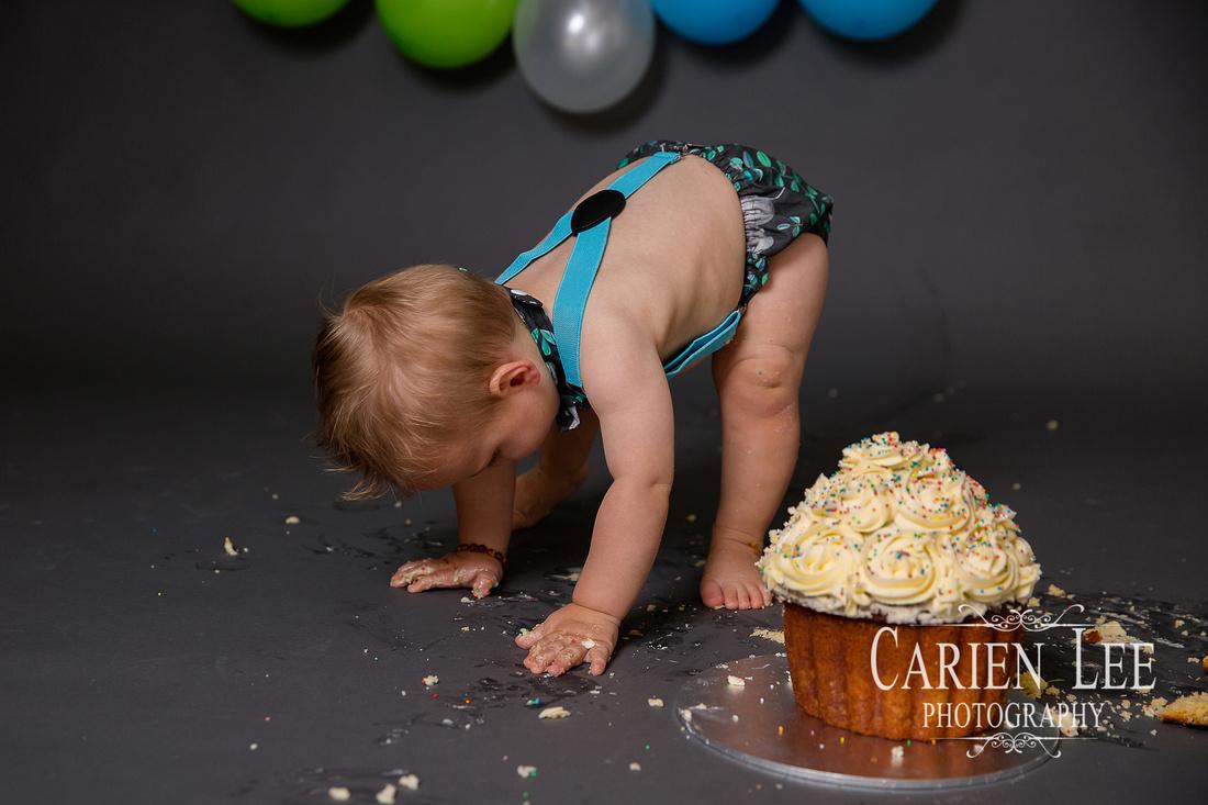 Cake Smash photography session for Kai-150