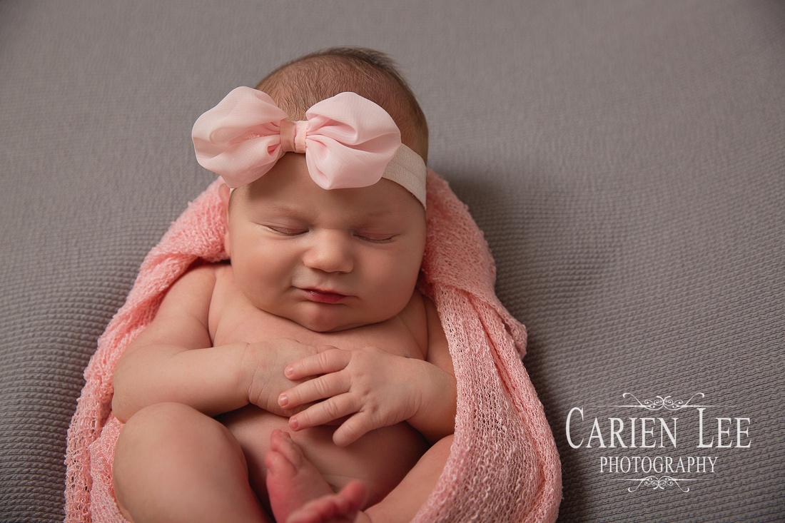 Freeden Family and Newborn session-13