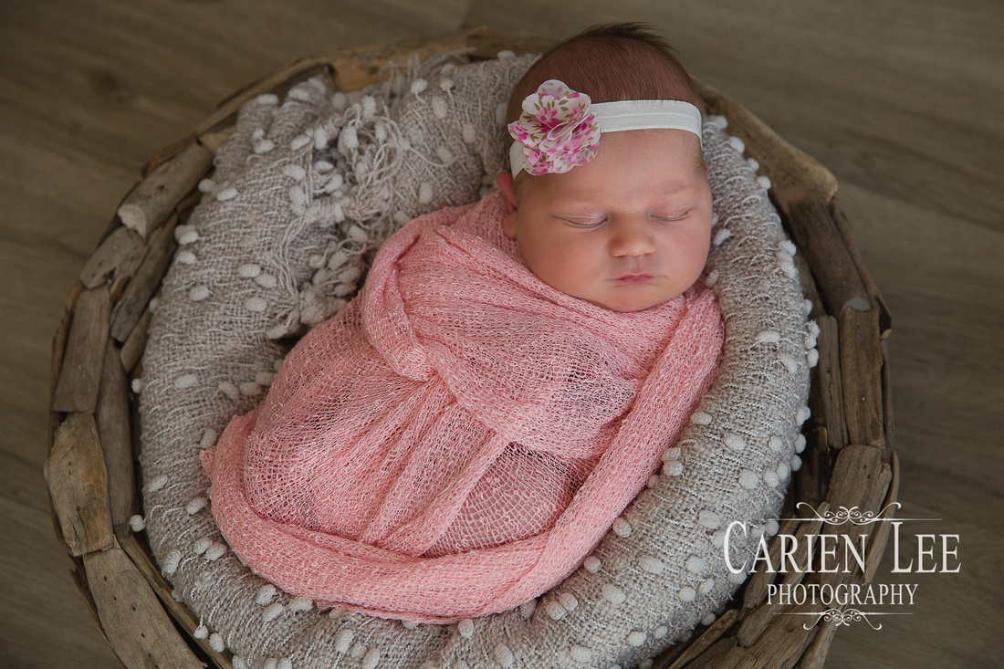 Freeden Family and Newborn session-11